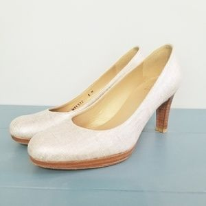 {Stuart Weitzman} White with Gray Heels Size 5